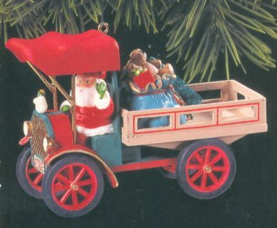 1993 Here Comes Santa #15: Happy Haul-idays Hallmark ornament