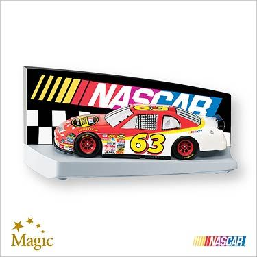 2007 NASCAR: The Race Is On Hallmark ornament